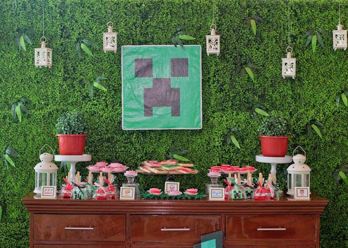 Minecraft Party + Dessert Table from a Minecraft Birthday Party on Kara's Party Ideas | KarasPartyIdeas.com (24)