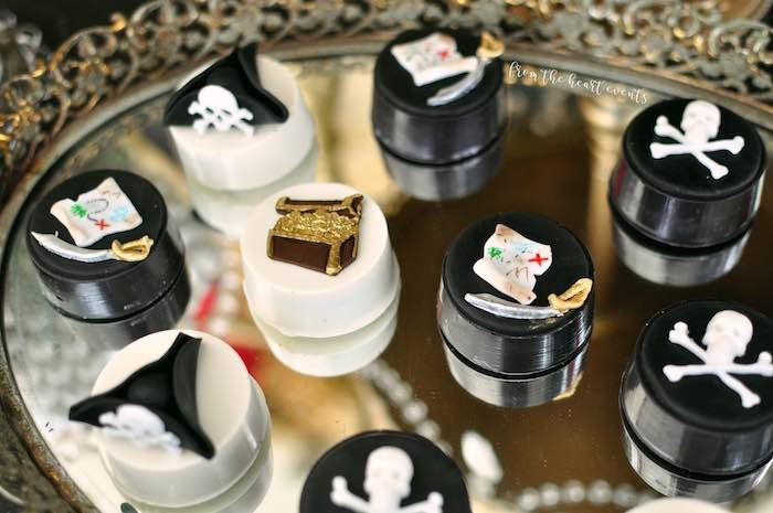 Pirate-inspired Oreos from a Pirates of the Caribbean Birthday Party on Kara's Party Ideas | KarasPartyIdeas.com (25)