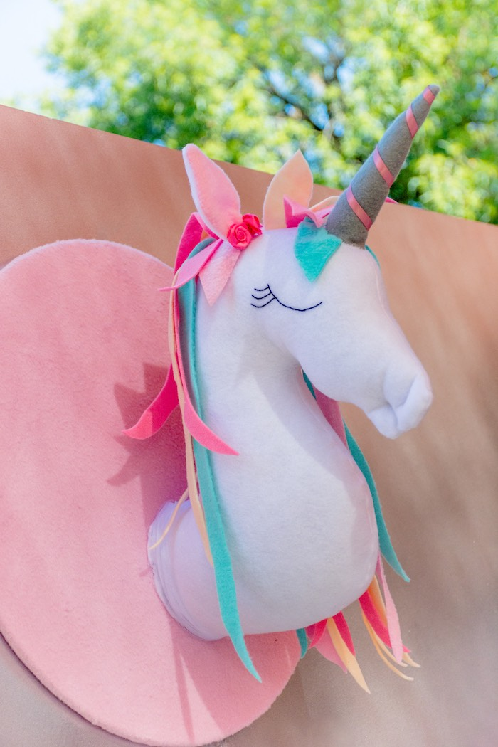 Felt Unicorn Head from a Rainbows and Unicorns Birthday Party on Kara's Party Ideas | KarasPartyIdeas.com (20)