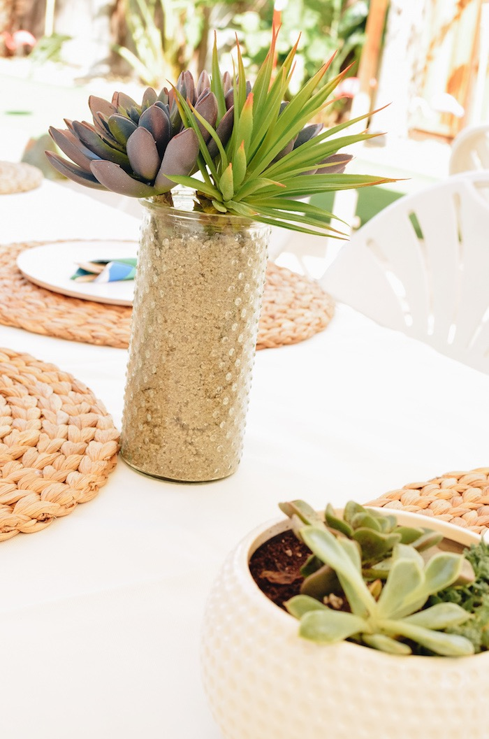 Guest Tablescape from a Retro Country Club + Golf Birthday Party on Kara's Party Ideas | KarasPartyIdeas.com (23)