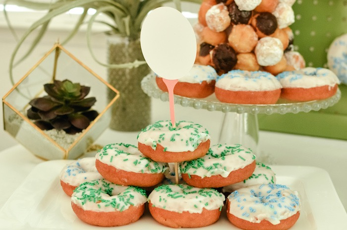 Doughnut Stack with Golf Ball & Tee Topper from a Retro Country Club + Golf Birthday Party on Kara's Party Ideas | KarasPartyIdeas.com (30)
