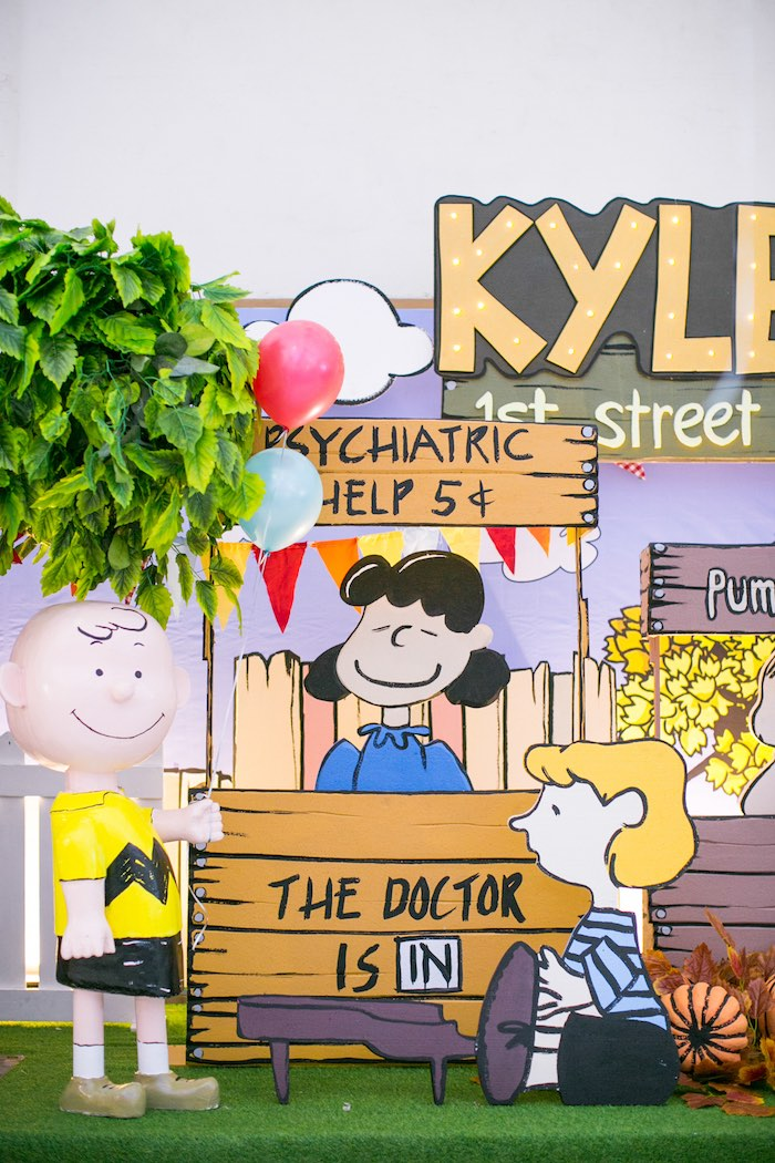 Psychiatric Stand from a Snoopy Peanuts Birthday Party on Kara's Party Ideas | KarasPartyIdeas.com (19)