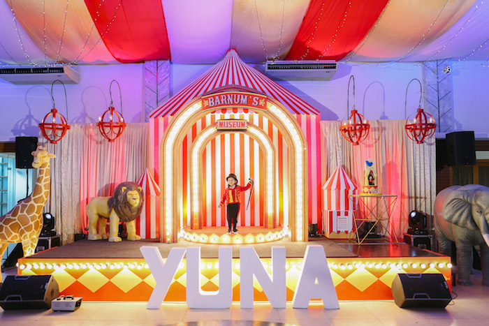 Barnum's Stage from The Greatest Showman Birthday Party on Kara's Party Ideas | KarasPartyIdeas.com (36)