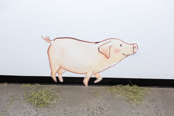 Pig + Wall Poster/Decal from a Charlotte's Web Birthday Party on Kara's Party Ideas | KarasPartyIdeas.com (4)