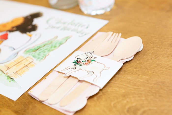 Farm Animal Utensil Pack from a Charlotte's Web Birthday Party on Kara's Party Ideas | KarasPartyIdeas.com (34)