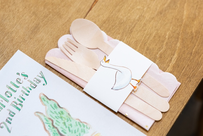 Farm Animal Utensil Pack from a Charlotte's Web Birthday Party on Kara's Party Ideas | KarasPartyIdeas.com (30)