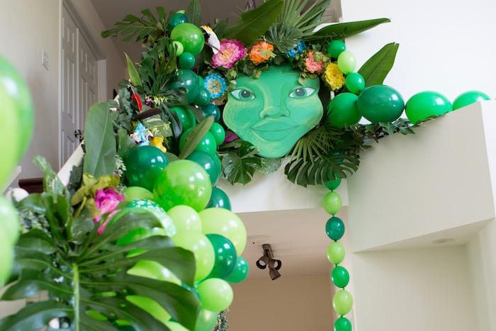 Tropical Te Fiti Balloon Installation from a Moana Inspired Birthday Luau on Kara's Party Ideas | KarasPartyIdeas.com (24)