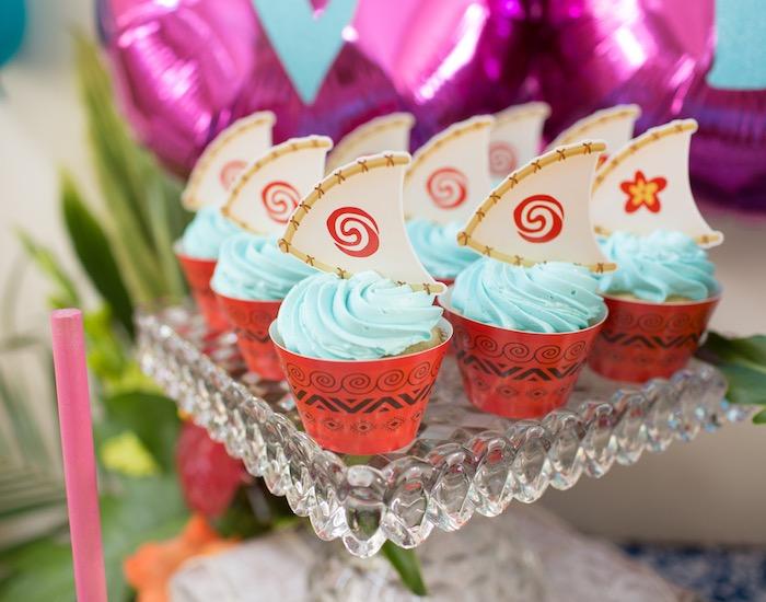 Voyager Boat Cupcakes from a Moana Inspired Birthday Luau on Kara's Party Ideas | KarasPartyIdeas.com (34)