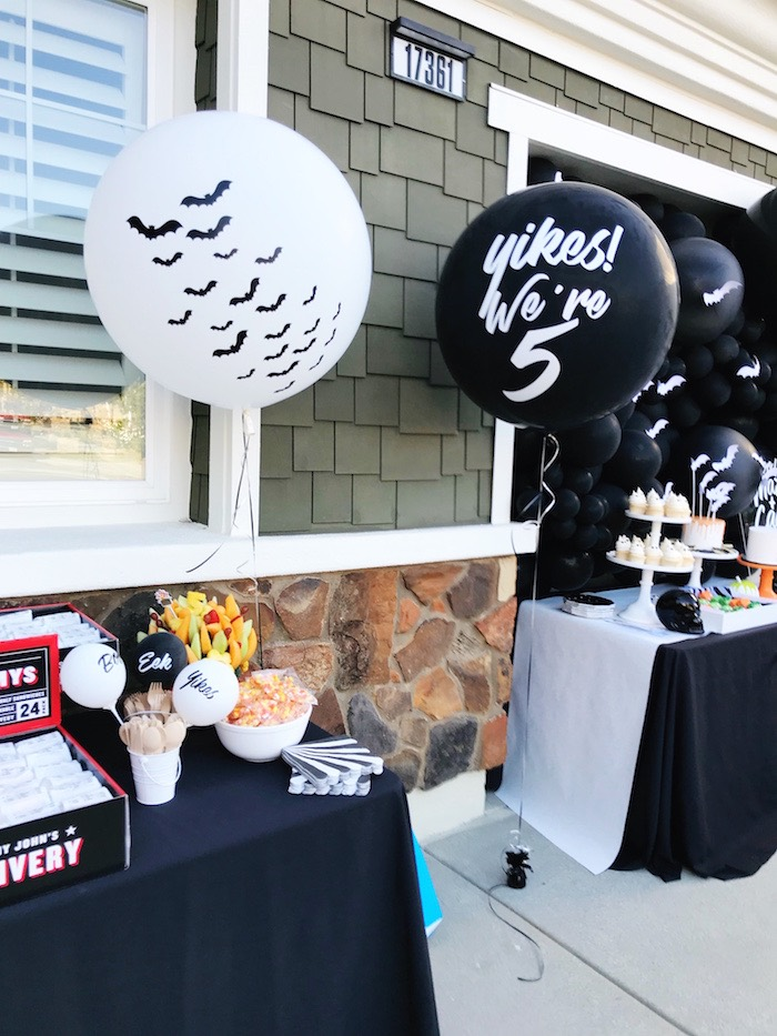 Halloween Party Tables + Jumbo Balloons from a Spooky Halloween Birthday Party on Kara's Party Ideas | KarasPartyIdeas.com (7)