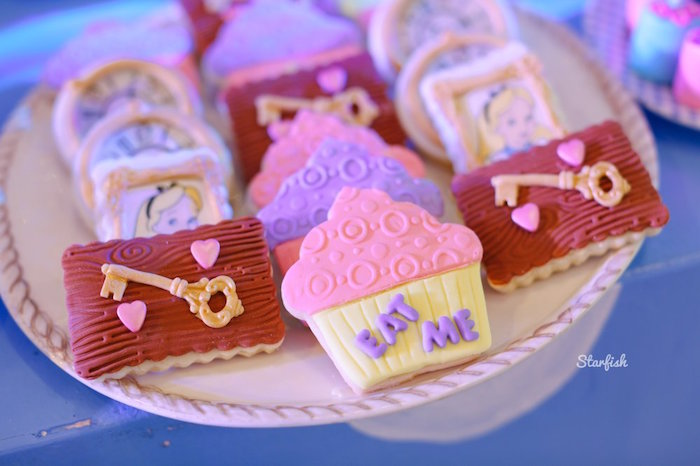 Alice in Wonderland Cookies from a Whimsical Alice in Wonderland Birthday Party on Kara's Party Ideas | KarasPartyIdeas.com (14)