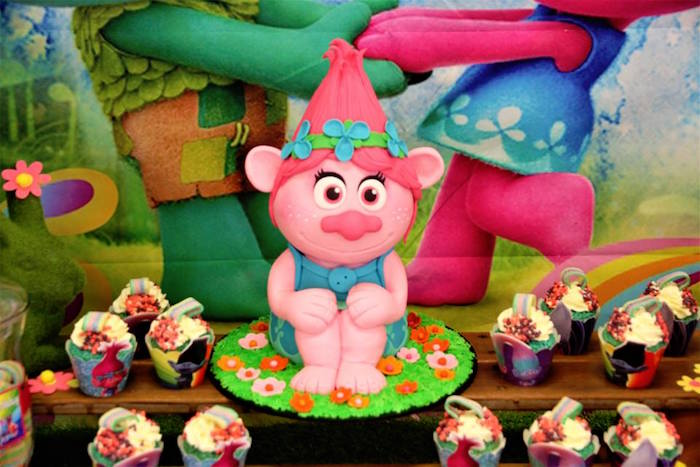 Poppy the Troll Cake from a Trolls Birthday Party on Kara's Party Ideas | KarasPartyIdeas.com (17)