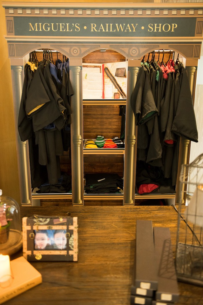 Hogwarts House Robes from a Harry Potter Birthday Party on Kara's Party Ideas | KarasPartyIdeas.com (27)