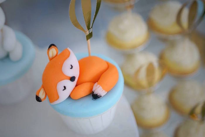 Fondant Fox Cupcake Topper from a Woodland Hot Air Balloon Birthday Party on Kara's Party Ideas | KarasPartyIdeas.com (5)