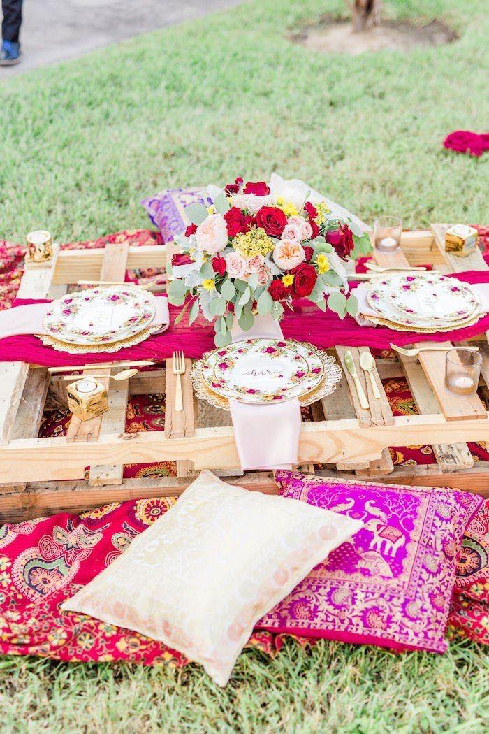 Pallet Board Dining Tablescape from a Boho Chic Friendsgiving Party on Kara's Party Ideas | KarasPartyIdeas.com (28)