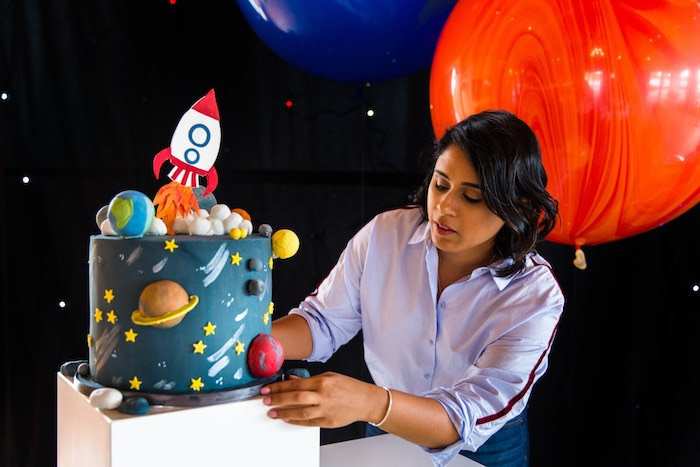 Outer Space Cake from an Outer Space Birthday Party via Kara's Party Ideas | KarasPartIdeas.com (21)