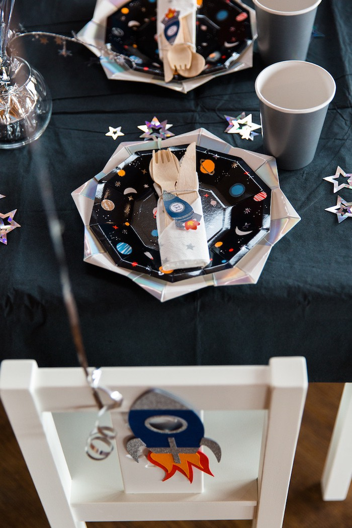 Space Themed Table Setting from an Outer Space Birthday Party via Kara's Party Ideas | KarasPartIdeas.com (15)