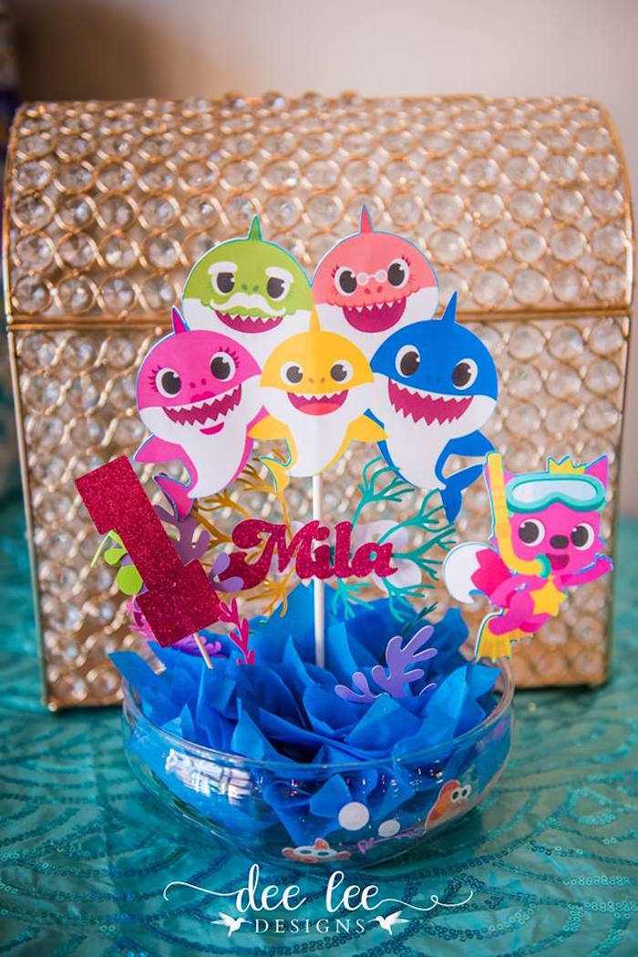 Baby Shark-inspired Table Centerpiece from a Baby Shark Birthday Party on Kara's Party Ideas | KarasPartyIdeas.com (2)