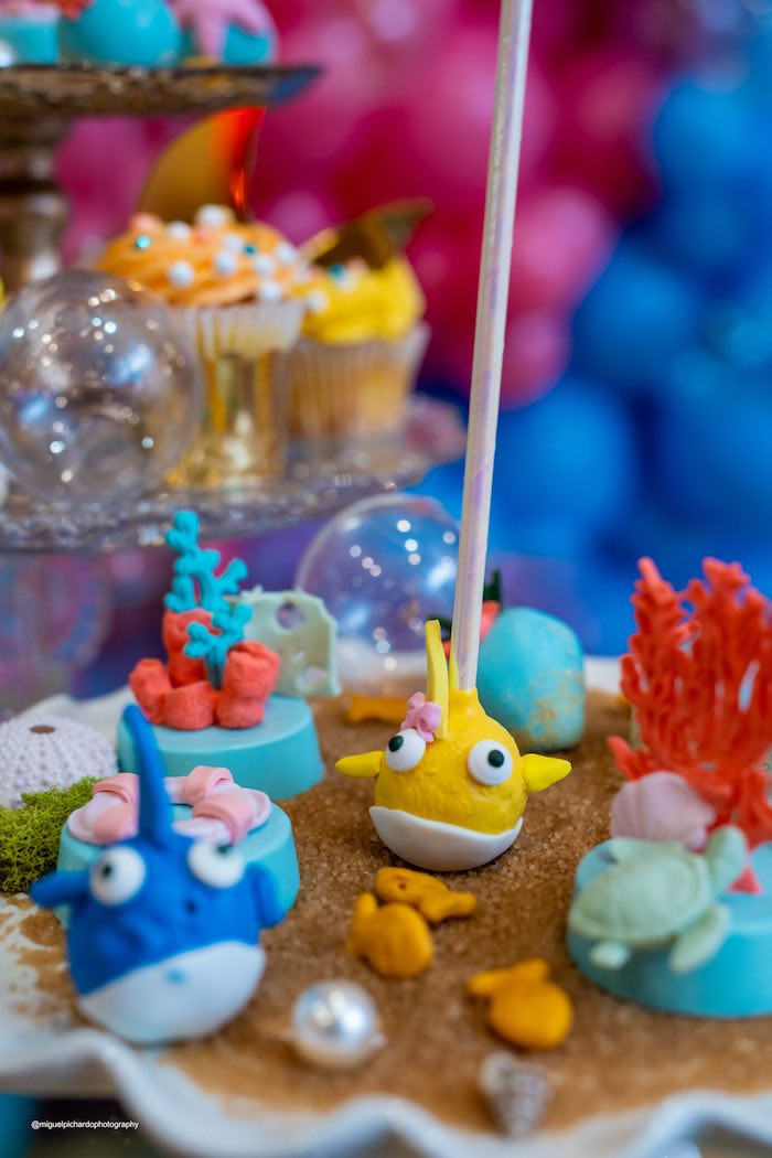 Under the Sea Fish Cake Pops + Oreos from a Baby Shark Birthday Party on Kara's Party Ideas | KarasPartyIdeas.com (24)