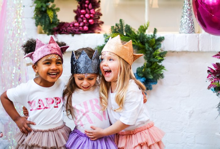 Girls from a Sparkle & Shine Christmas Party on Kara's Party Ideas | KarasPartyIdeas.com (42)