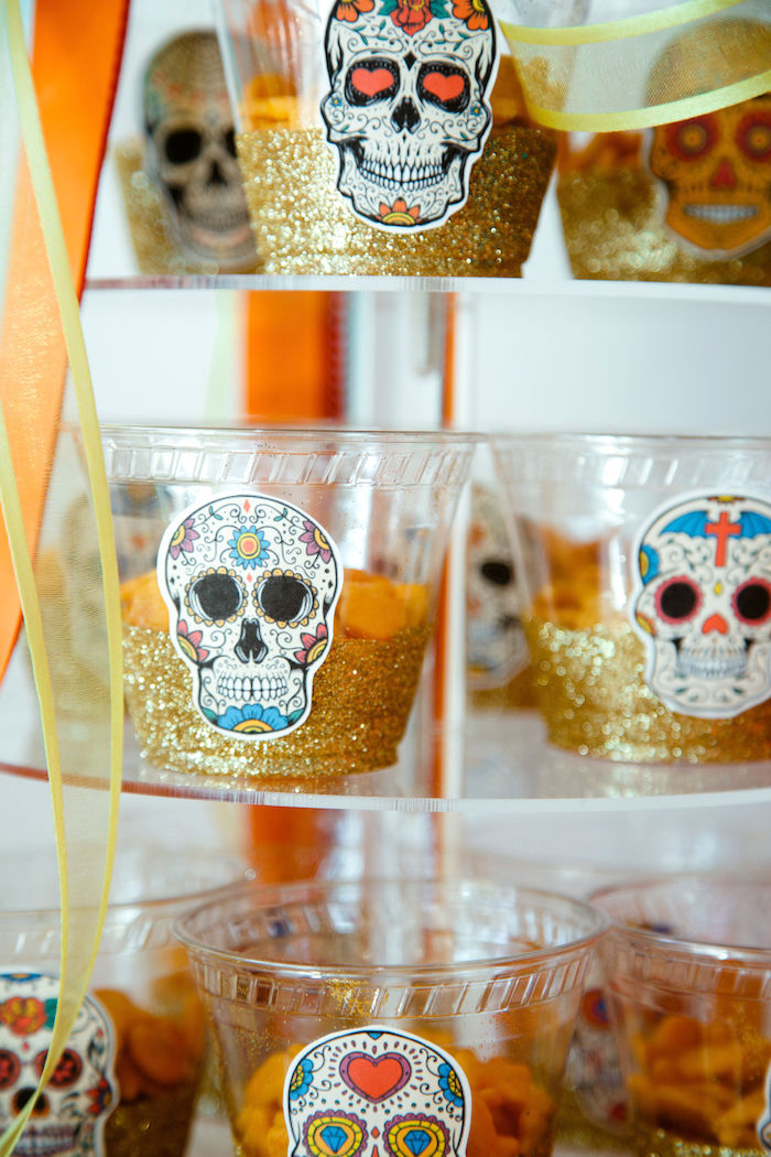Day of the Dead-inspired Glitter Snack Cups from a Coco + Day of the Dead Birthday Party on Kara's Party Ideas | KarasPartyIdeas.com (26)