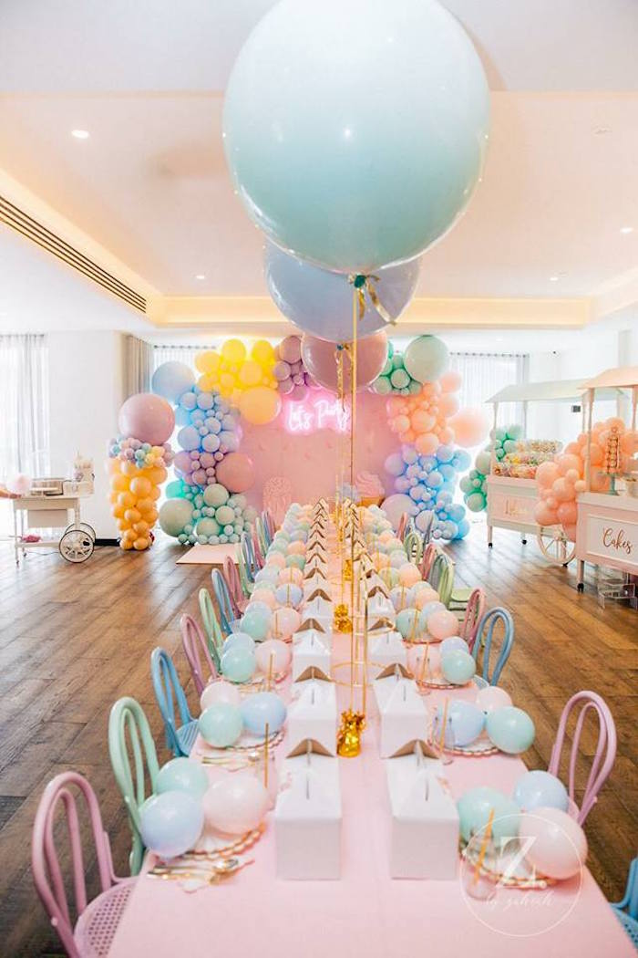 Pastel Jumbo-ballooned Party Table from a Here's the Scoop Pastel Ice Cream Party on Kara's Party Ideas | KarasPartyIdeas.com (9)