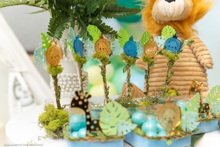 Lion Lollipops from a Modern Jungle Birthday Party on Kara's Party Ideas | KarasPartyIdeas.com (13)