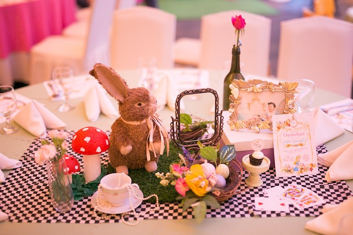 Alice in Wonderland Guest Table + Centerpieces from an Alice in Wonderland First Birthday Party on Kara's Party Ideas | KarasPartyIdeas.com (7)