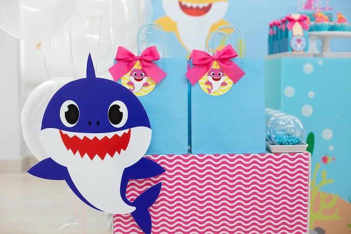 Baby Shark Favor Pedestal + Gift Bags from a Baby Shark Birthday Party on Kara's Party Ideas | KarasPartyIdeas.com (13)