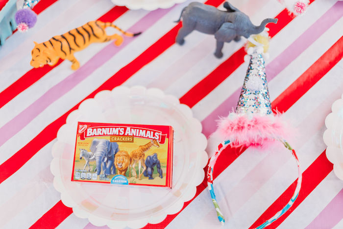 Circus Party Table Setting from a Greatest Showman Inspired Circus Party on Kara's Party Ideas | KarasPartyIdeas.com (27)