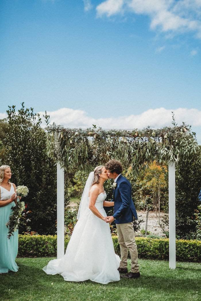 Modern Country Wedding on Kara's Party Ideas | KarasPartyIdeas.com (8)