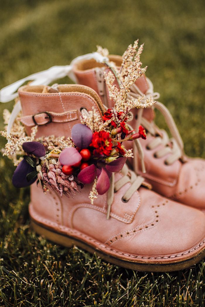 Prairie Boots & Blooms from a Modern Rustic Prairie Girl Party on Kara's Party Ideas | KarasPartyIdeas.com (47)