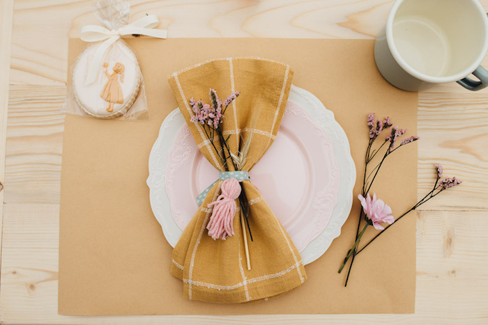 Prairie-inspired Table Setting from a Modern Rustic Prairie Girl Party on Kara's Party Ideas | KarasPartyIdeas.com (44)