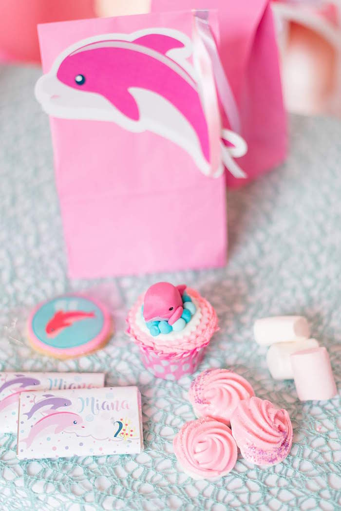 Pink Dolphin Favor Sack + Sweets from a Dolphin Birthday Party on Kara's Party Ideas | KarasPartyIdeas.com (21)