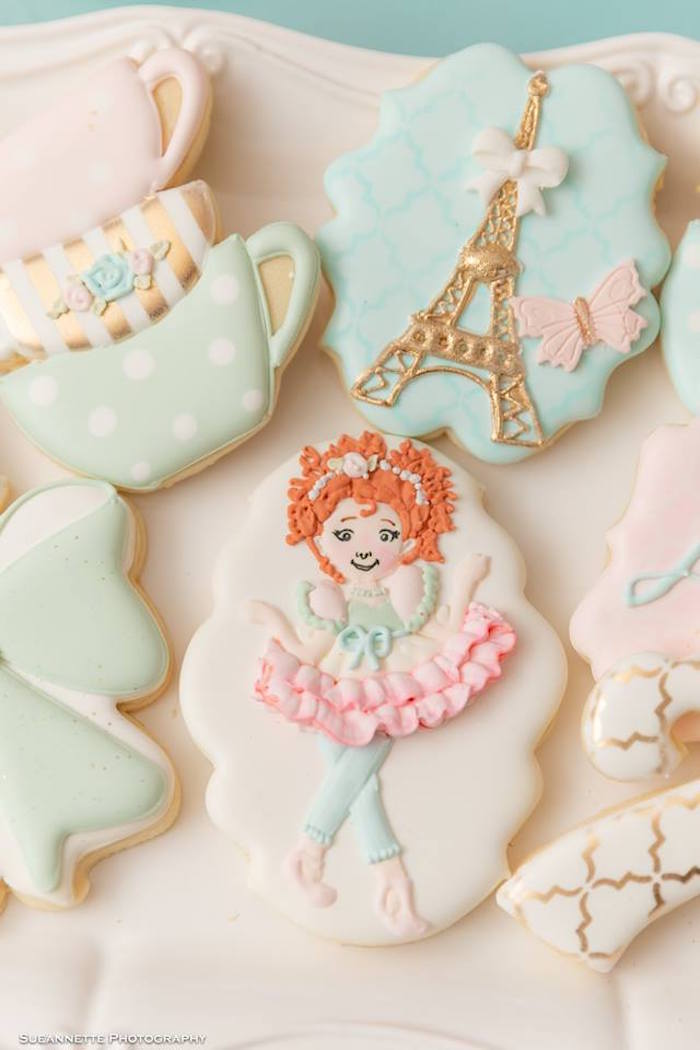 Fancy Nancy Cookie from a Fancy Nancy Birthday Party on Kara's Party Ideas | KarasPartyIdeas.com (8)