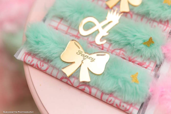 Feathered Candy Bars + Labels from a Fancy Nancy Birthday Party on Kara's Party Ideas | KarasPartyIdeas.com (28)
