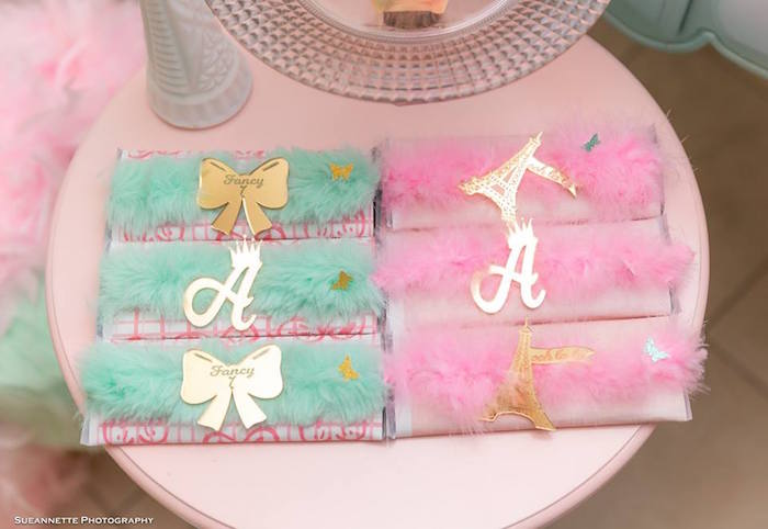 Feathered Candy Bars + Labels from a Fancy Nancy Birthday Party on Kara's Party Ideas | KarasPartyIdeas.com (27)
