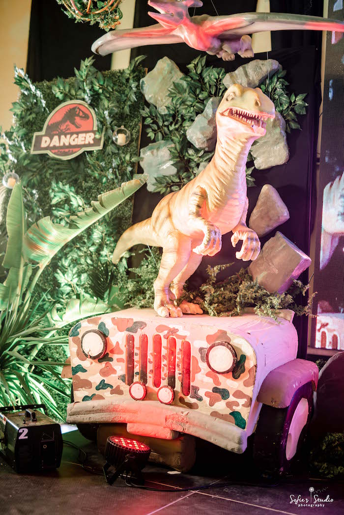 Jurassic Park Jeep Backdrop from a Jurassic World Birthday Party on Kara's Party Ideas | KarasPartyIdeas.com (31)