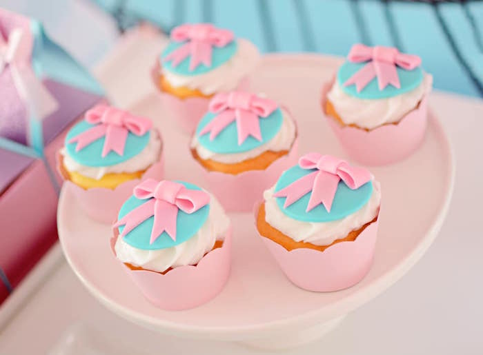 Fondant Pink Bow Cupcake Toppers + Cupcakes from an L.O.L. Surprise Spa Party on Kara's Party Ideas | KarasPartyIdeas.com (19)