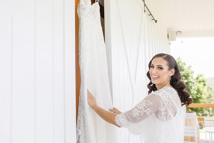 Minimal & Elegant Oceanside Wedding on Kara's Party Ideas | KarasPartyIdeas.com (40)