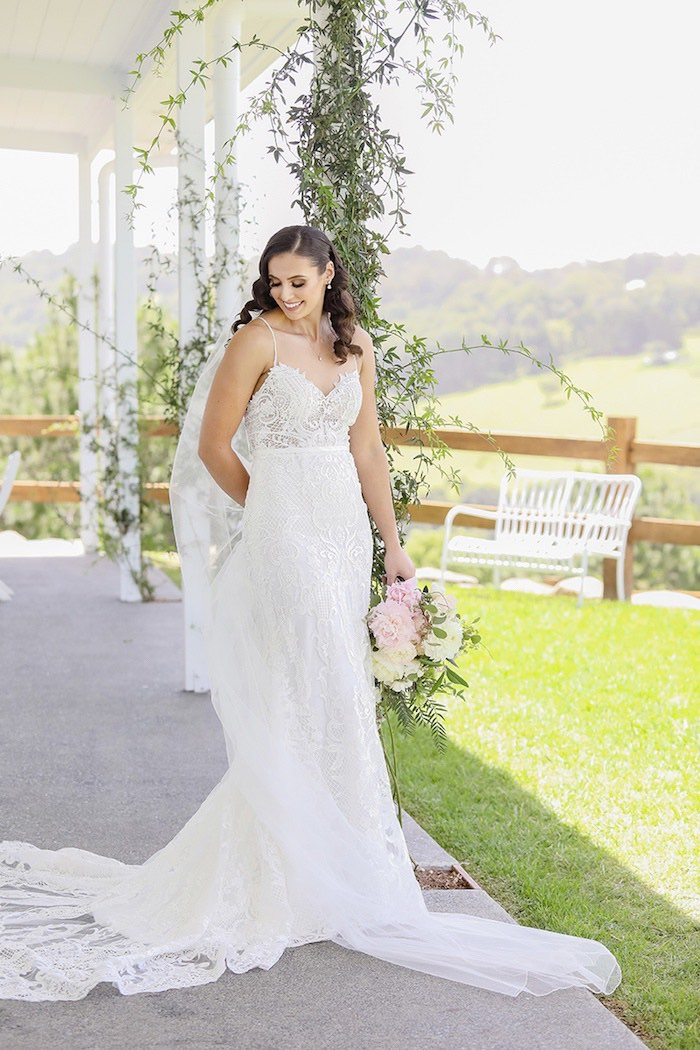 Minimal & Elegant Oceanside Wedding on Kara's Party Ideas | KarasPartyIdeas.com (37)