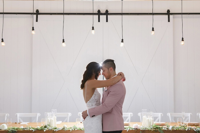 Minimal & Elegant Oceanside Wedding on Kara's Party Ideas | KarasPartyIdeas.com (23)