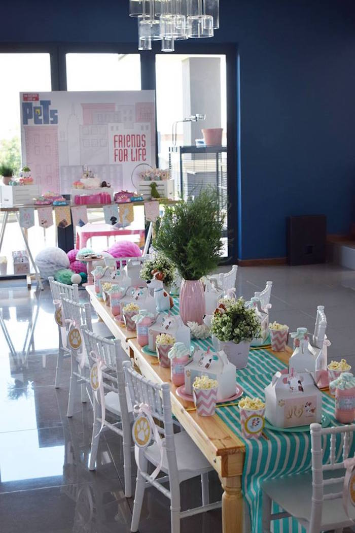 Secret Life of Pets Party Tables from a Secret Life of Pets Birthday Party on Kara's Party Ideas | KarasPartyIdeas.com (20)