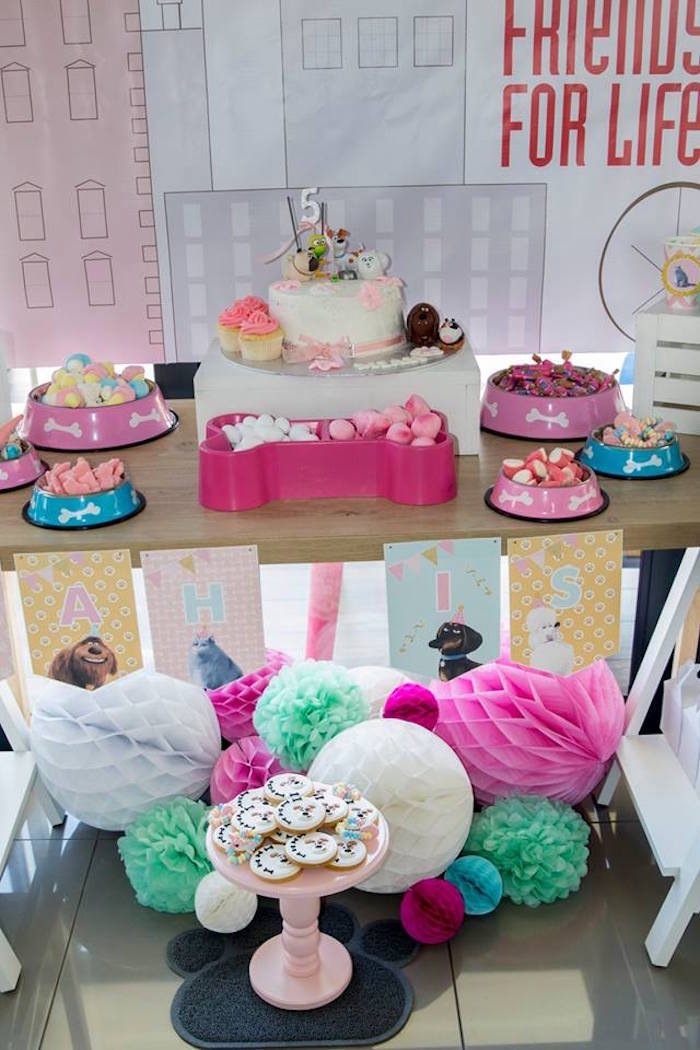 Secret Life of Pets Party Table from a Secret Life of Pets Birthday Party on Kara's Party Ideas | KarasPartyIdeas.com (19)