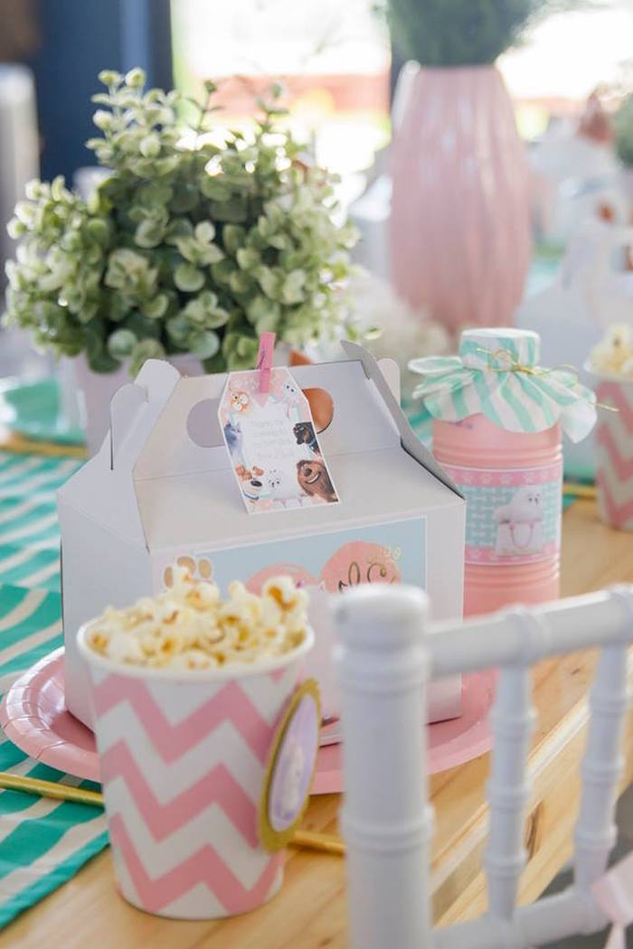 Table Setting from a Secret Life of Pets Birthday Party on Kara's Party Ideas | KarasPartyIdeas.com (15)