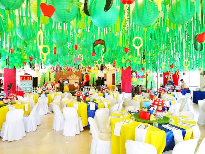Snow White Birthday Party Tables on Kara's Party Ideas | KarasPartyIdeas.com (11)