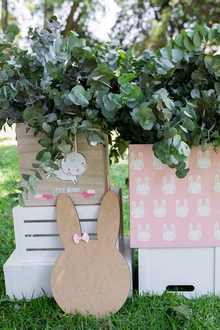 Greenery Bunny Blooms + Foliage from a Somebunny is One Birthday Party on Kara's Party Ideas | KarasPartyIdeas.com (15)