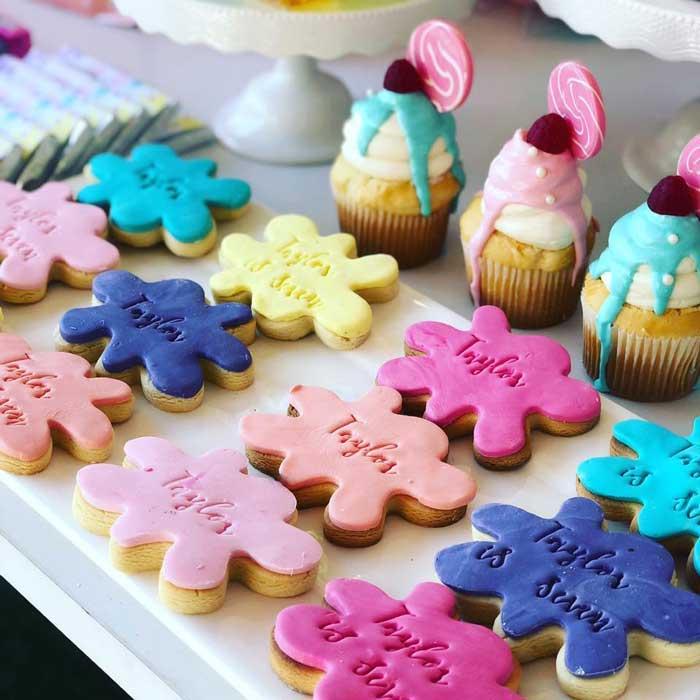 Slime Splatter Cookies de uma festa científica feminina sobre as idéias de festa de Kara | KarasPartyIdeas.com (13)