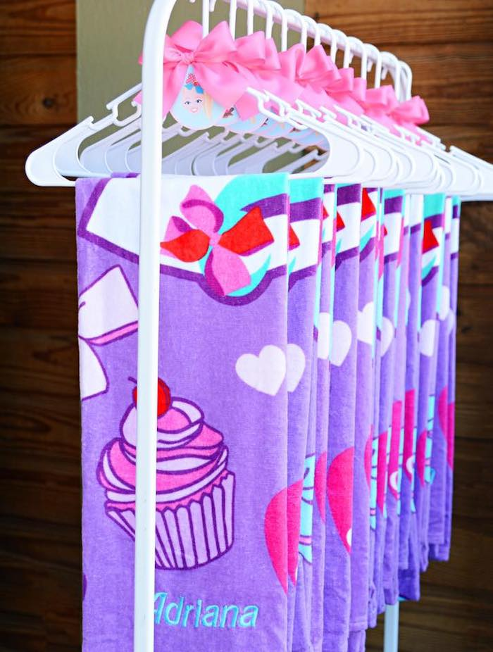 JoJo Siwa-inspired Favor Towels from a JoJo Siwa Girly Glam Birthday Party on Kara's Party Ideas | KarasPartyIdeas.com (21)