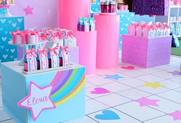 Heart + Star Floor from a JoJo Siwa Girly Glam Birthday Party on Kara's Party Ideas | KarasPartyIdeas.com (19)