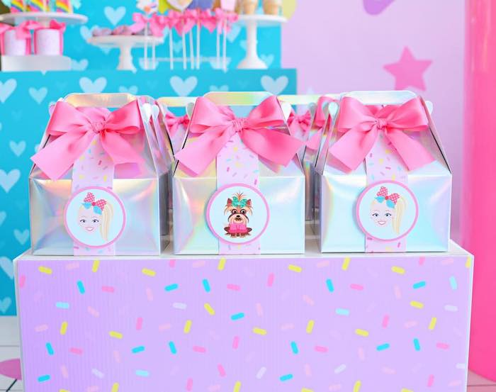 Gable Favor Boxes from a JoJo Siwa Girly Glam Birthday Party on Kara's Party Ideas | KarasPartyIdeas.com (16)